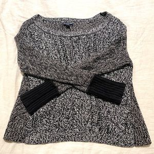 American Eagle 2 Pattern Cable Knit Sweater, Med